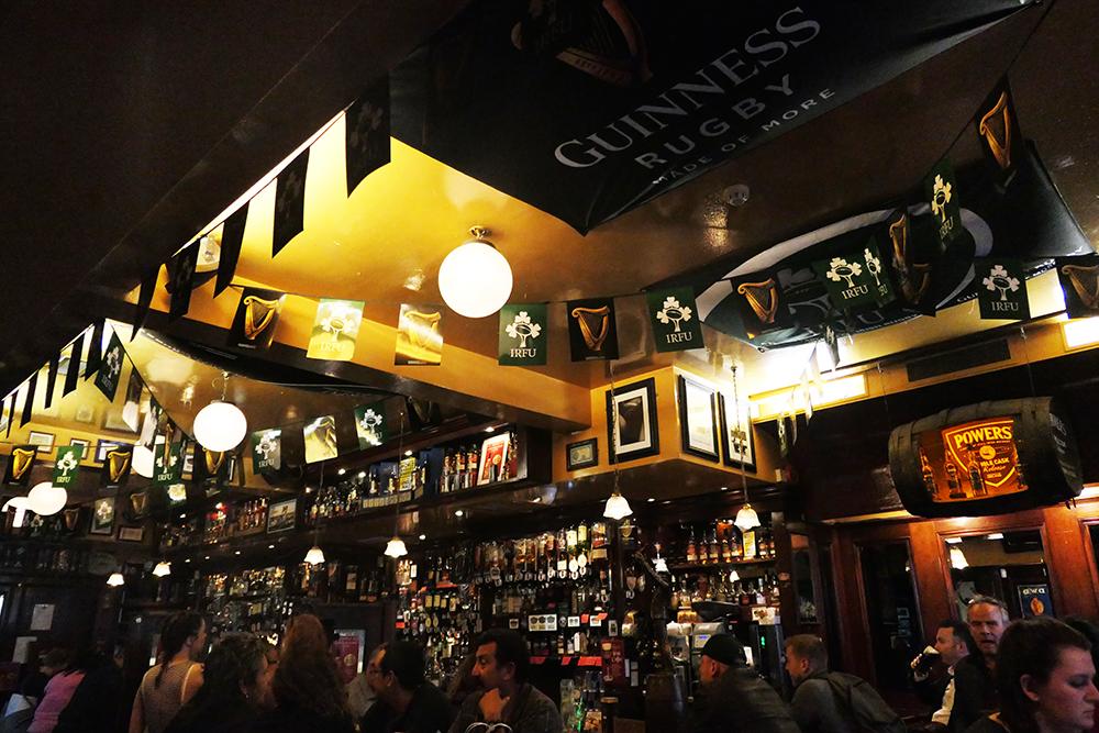 à l'intérieur du Temple Bar - Irlande